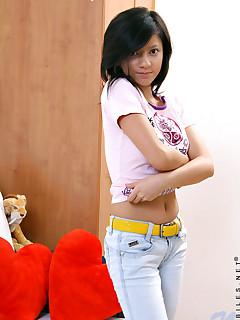 schoolgirl in jeans pics