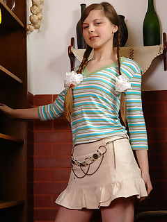 schoolgirl striptease pics