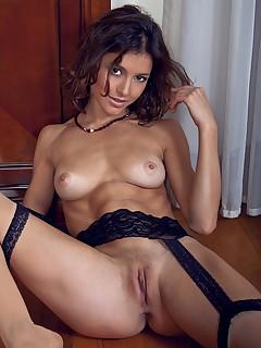 flexible schoolgirl pics