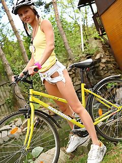 riding schoolgirl pics
